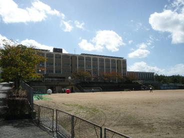 神戸市立筑紫が丘小学校の画像1