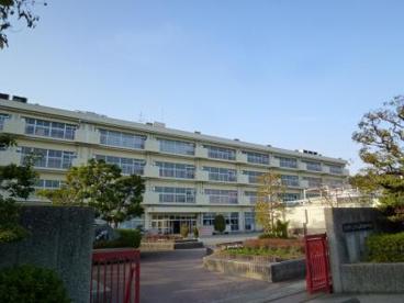 宝塚市立中山五月台中学校の画像1