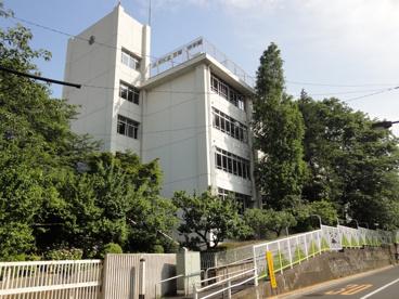 忍岡中学校の画像1