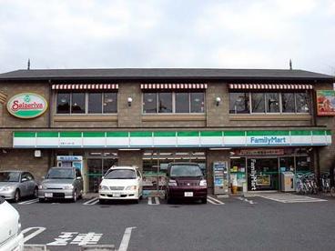 ファミリーマート大泉インター店の画像1