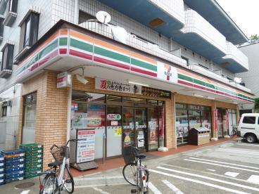 セブンイレブン練馬関町東1丁目店の画像1