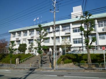 亀岡市立 つつじケ丘小学校の画像1