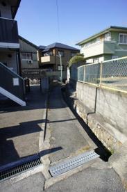 蛍池一狭い道の画像5