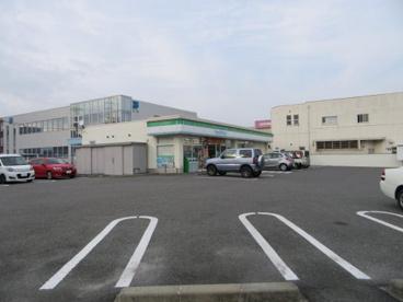 ファミリーマート甲府下石田店の画像3