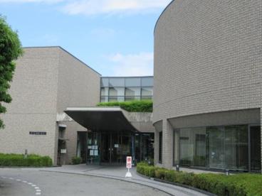 甲府市立図書館の画像2