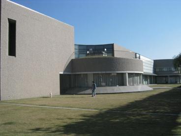 甲府市立図書館の画像3