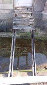 崩落寸前の橋の画像1