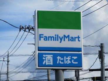 ファミリーマート山梨学院大学前店の画像1