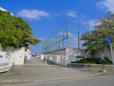 奈良市立佐保台小学校の画像2
