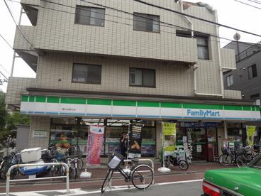 ファミリーマート旗の台東口店の画像1