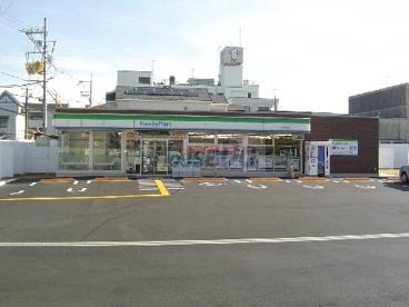 ファミリーマート城陽寺田店の画像1