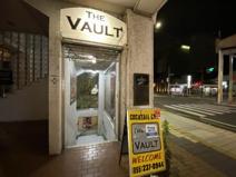 「THE VAULT」
