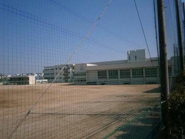 箕面市立第二中学校の画像2