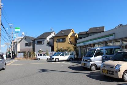 ファミリーマート 箕面半町店の画像1