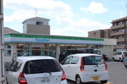 ファミリーマート箕面稲店の画像1