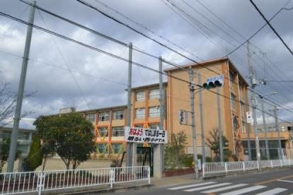 寝屋川市立西小学校の画像1