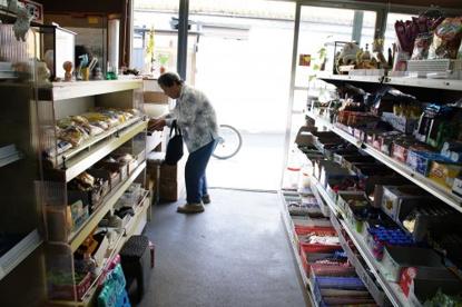 蛍池最後の駄菓子屋の画像2