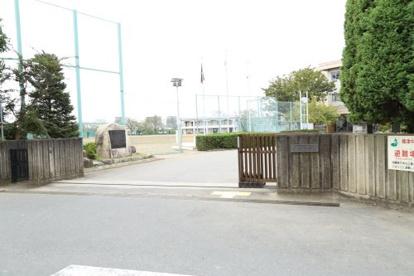 白岡市立篠津中学校(白岡市篠津)の画像1
