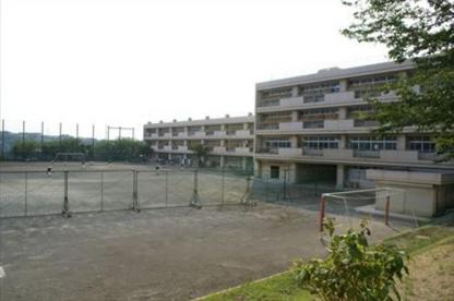 横浜市立中川西中学校の画像1