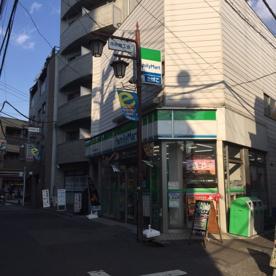 ファミリーマート新宿中井駅前店の画像1