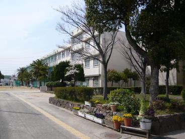 尼崎市立中学校 大庄北中学校の画像1