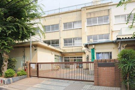 (閉校)中野区立新山小学校の画像