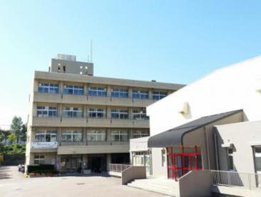 箕面市立第六中学校の画像1