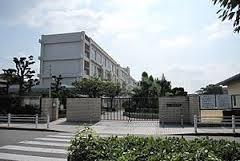 尼崎市立中学校 中央中学校の画像1