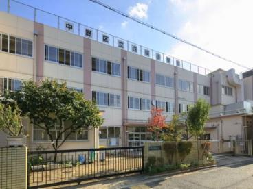 中野区立白桜小学校の画像1