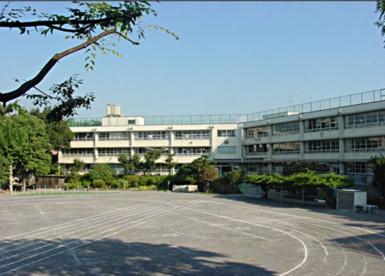 成増ケ丘小学校の画像1