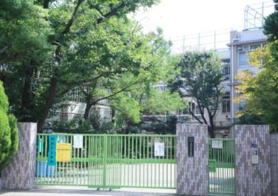 北区立赤羽台西小学校の画像1