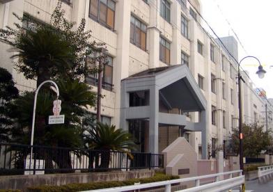 大阪市立日本橋小学校の画像1