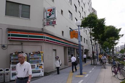 セブン−イレブン大阪福島2丁目店の画像1