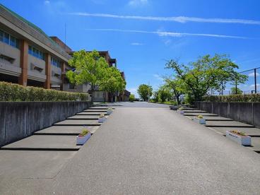 大和郡山市立郡山東中学校の画像2
