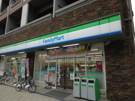 ファミリーマート 中崎南店の画像