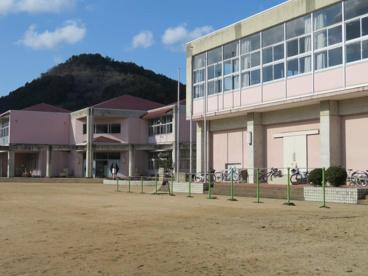 丹波市立三輪小学校の画像1
