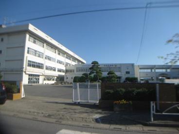 幸手市立西中学校(幸手市大字下川崎)の画像1