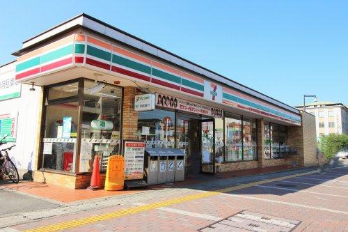 セブンイレブン JR宇治駅前店の画像