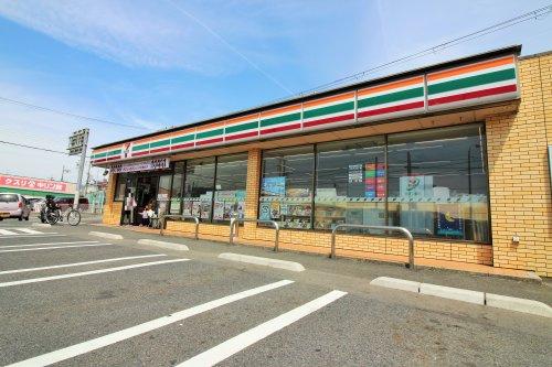 セブンイレブン 宇治木幡店の画像