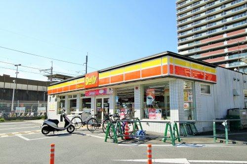 デイリーヤマザキ 六地蔵駅前店の画像