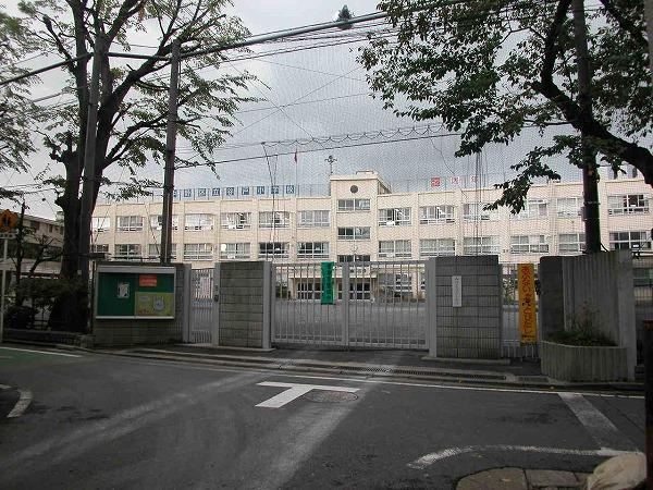 中野区立谷戸小学校の画像
