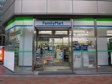 ファミリーマート銀座松屋通り店の画像1