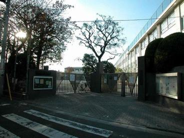 中野区立桃園小学校の画像2