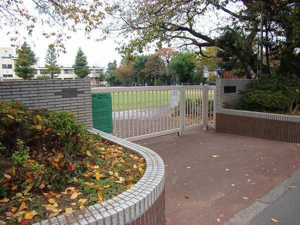 中野区立武蔵台小学校の画像