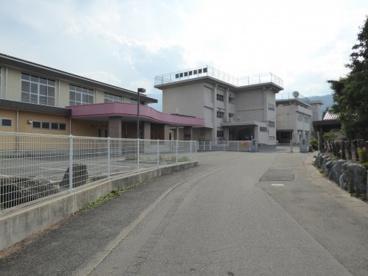 白根飯野小学校の画像1