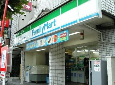 ファミリーマート 築地一丁目店の画像1