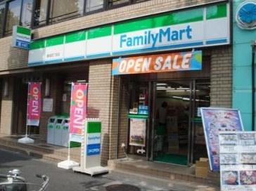 ファミリーマート築地四丁目店の画像1