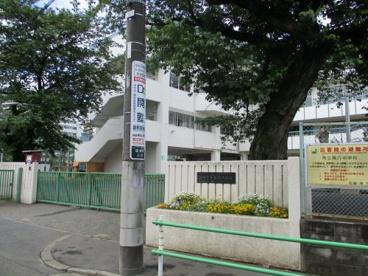 調布市立第六中学校の画像1
