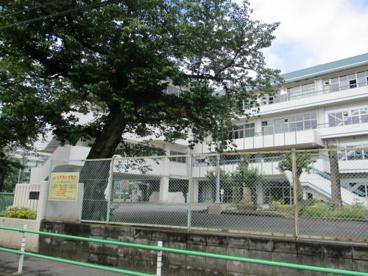 調布市立第六中学校の画像2