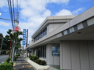 山梨中央銀行・調布支店の画像1